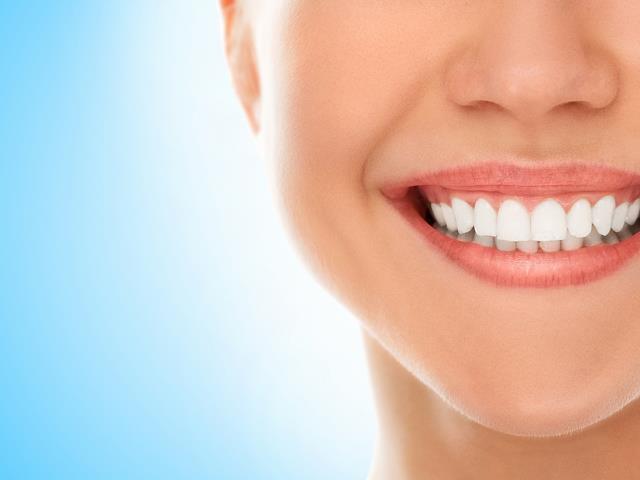 دندان های سفید با بلیچینگ دندان | شرکت ستاره گنبد مینا
