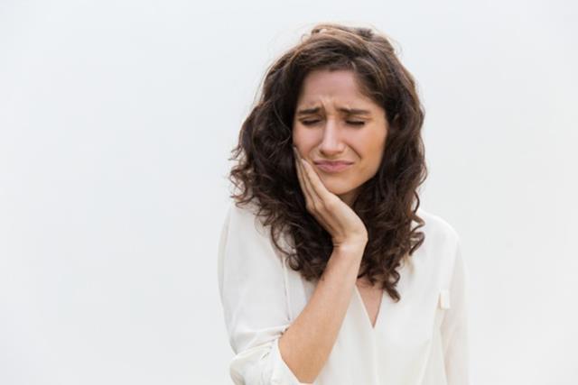 مشکلات ناشی از فاصله بین دندان ها | شرکت ستاره گنبد مینا