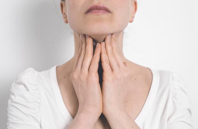 علائم سرطان دهان | نخ دندان مینا | شرکت ستاره گنبد مینا