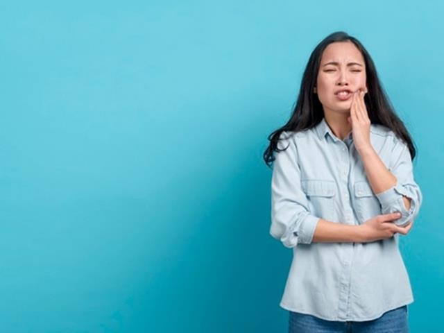 برخی بیماری ها ممکن است باعث درد دندان شوند | نخ دندان مینا