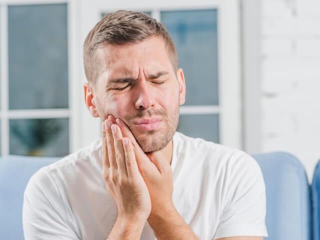 علت های دندان درد | شرکت ستاره گنبد مینا