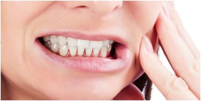 آسیب فک بر اثر فشار ناشی از دندان قروچه | نخ دندان مینا