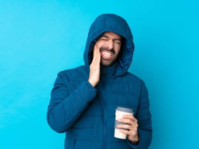 خوردن قهوه با شیر یا شکر موچب پوسیدگی دندان ها می شود | نخ دندان مینا