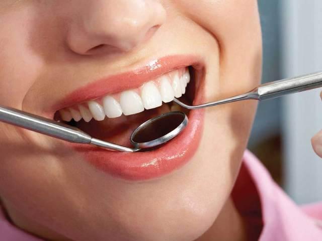 مراقبت از سلامت دندان | نخ دندان مینا