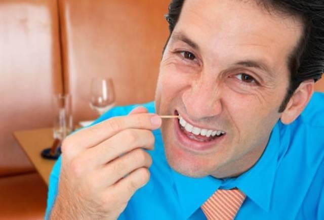 استفاده از خلال دندان | نخ دندان مینا