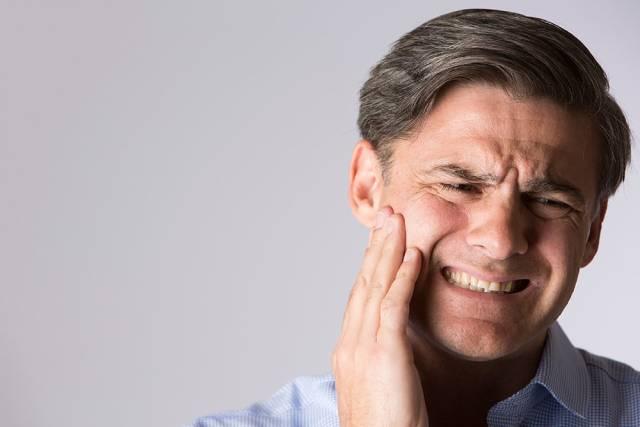 احساس در پس ار جراحی ارتوگناتیک | نخ دندان مینا